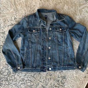 Classic GAP Denim Jacket Size Small